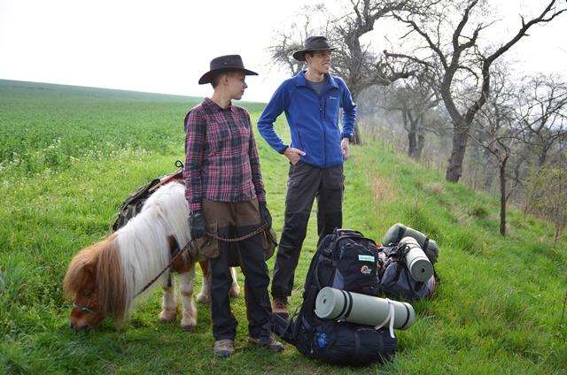 Schummeln beim Wandern mit Pony