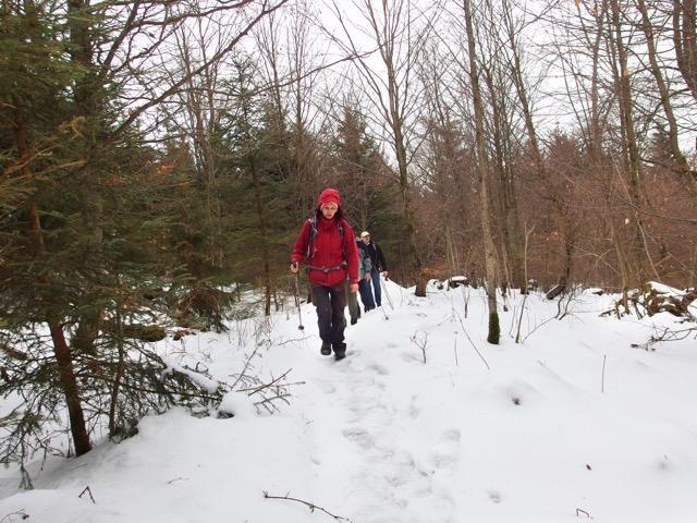Wandern im Schnee im Geopark
